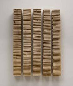 David Nash, Crack and warp wall panels, 2008. Es Baluard Museu d´Art Modern i Contemporani de Palma. © fotografía Archivo Es Baluard Museu d'Art Modern i Contemporani de Palma
