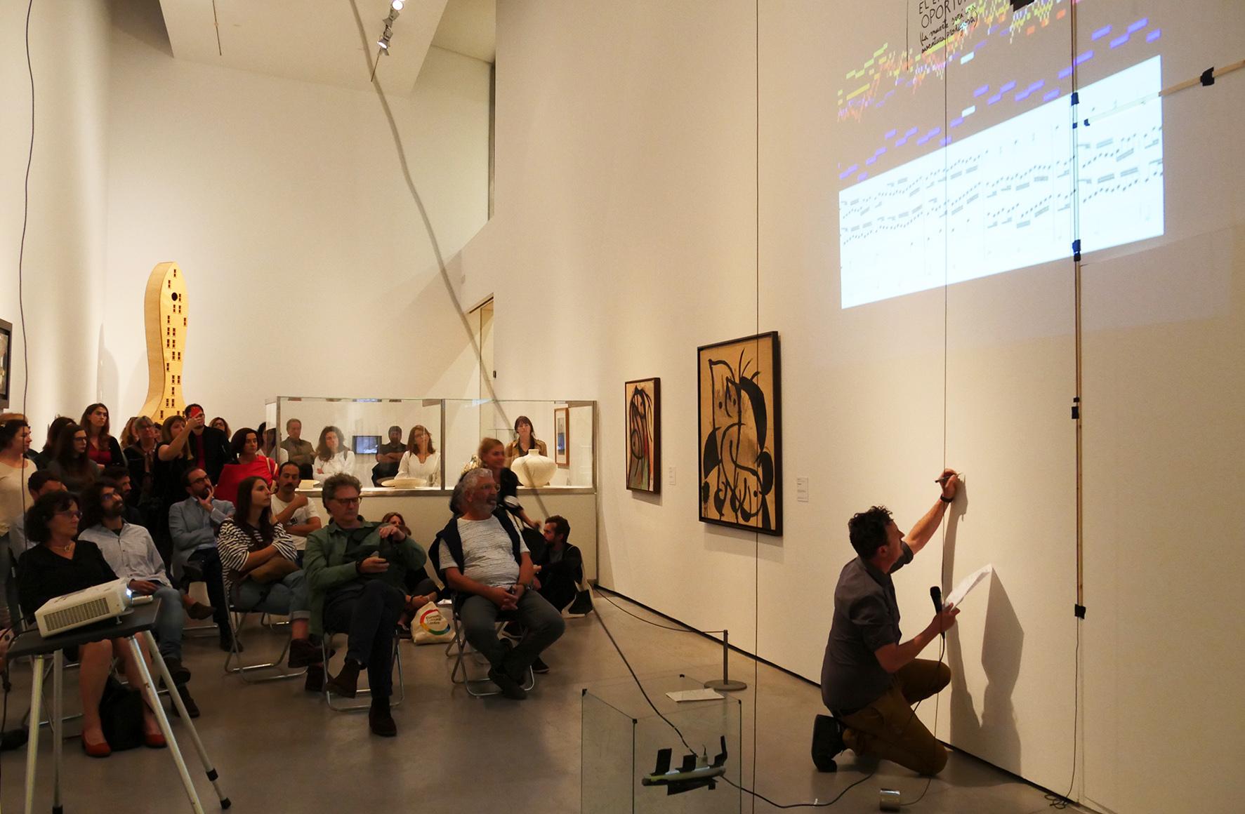 Intervenció performativa de Francisco Ruiz de Infante dins el projecte «Ballard Baluard»
